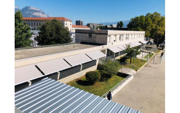 Stores bannes pour le Lycée Louise Michel
