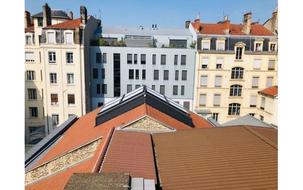 Stores de verrière dans le Rhône